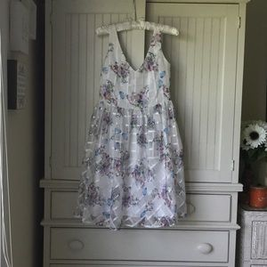 GORGEOUS Maeve White Floral Party Dress